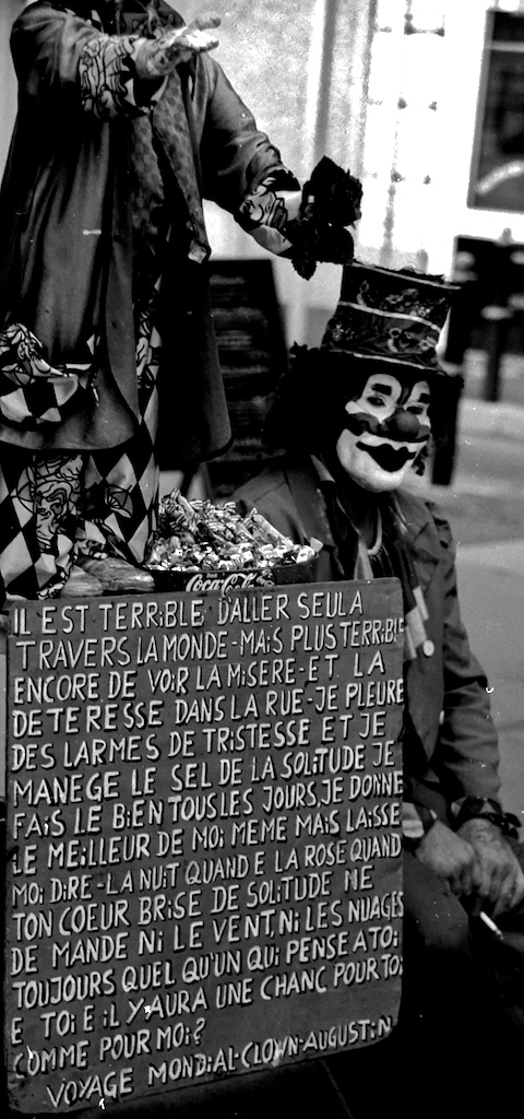 France-straphael clown2BW30